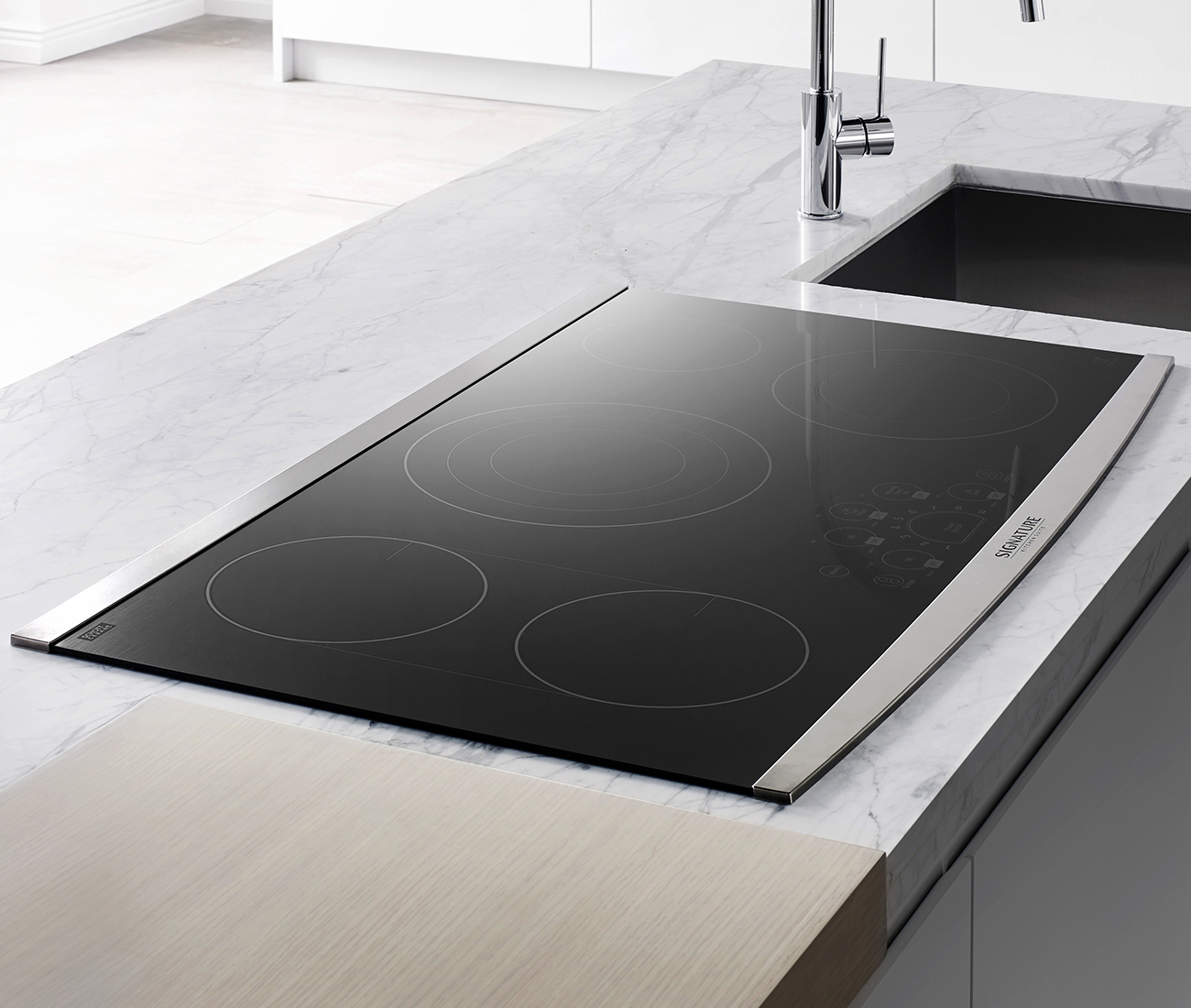 36-inch Electric Cooktop from Signature Kitchen Suite