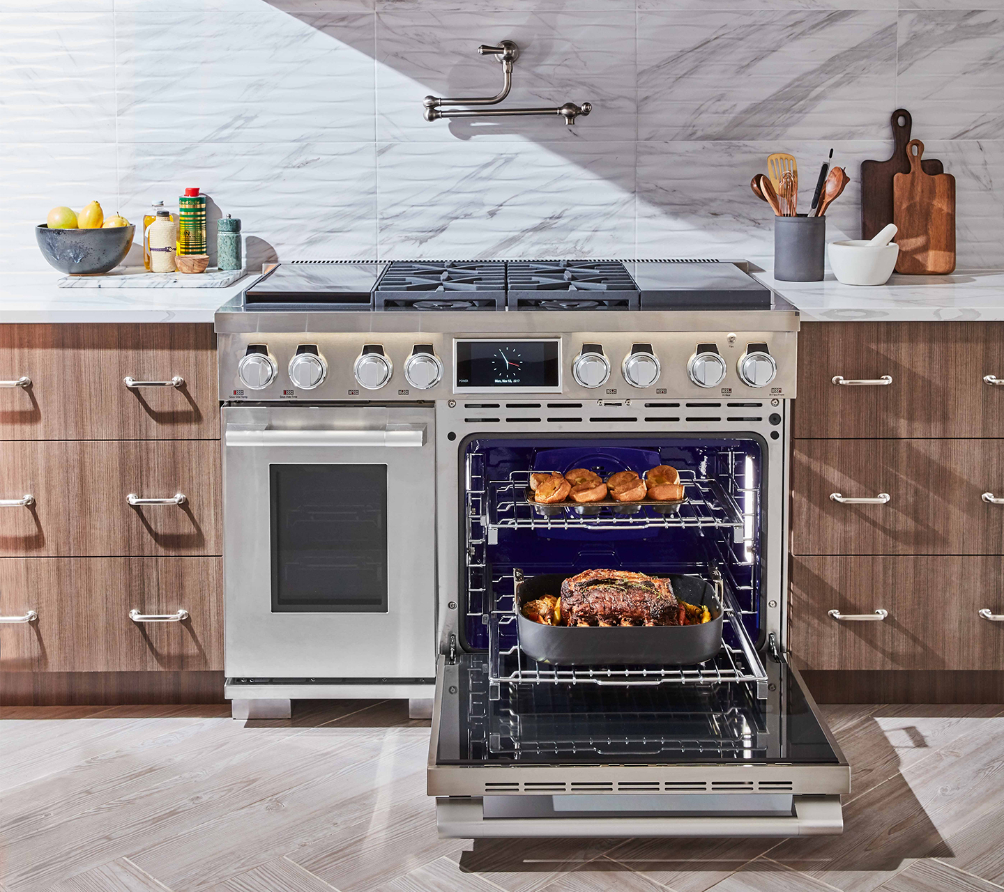 Find a dealer_48-inch Dual Fuel Pro Range by Signature Kitchen Suite