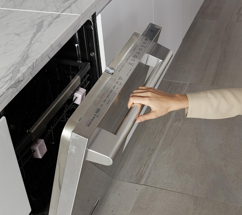 LoDecibel Quiet Dishwasher Door | Signature Kitchen Suite SKS