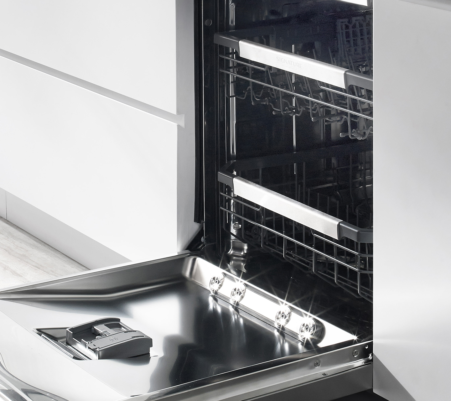 SmartRack in Dishwasher from Signature Kitchen Suite