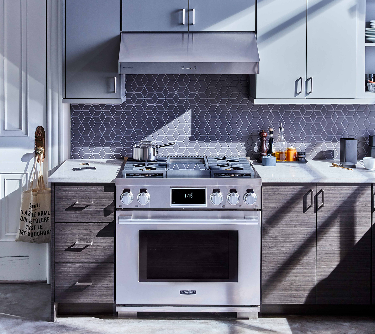 "36"" Dual-Fuel Pro Range from Signature Kitchen Suite"