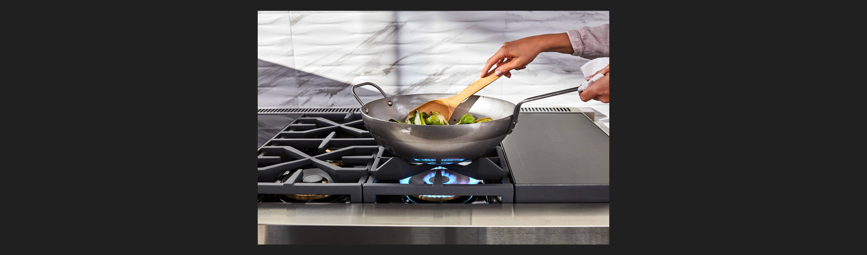 "48"" Dual-Fuel Pro Range with Convertible Wok Grate"