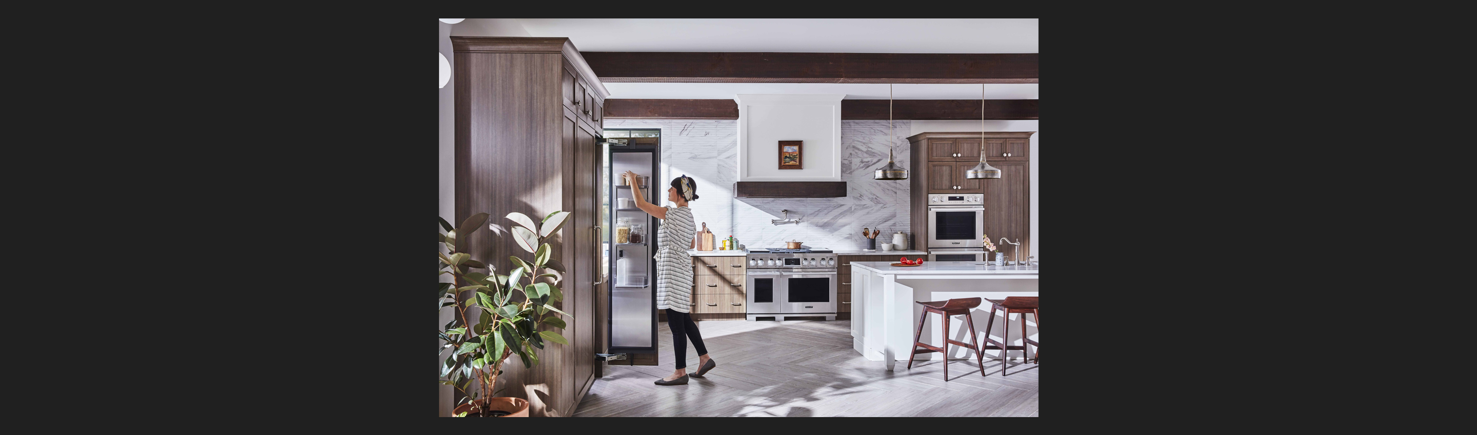 Signature Kitchen Suite | 30-inch Built-in Freezer Column
