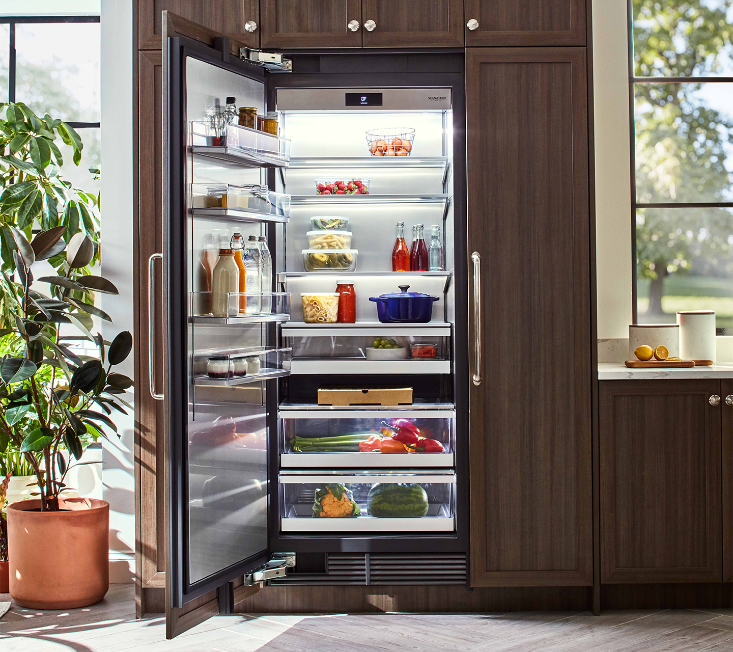 Signature Kitchen Suite | 24-inch Panel Ready Integrated Column Refrigerator