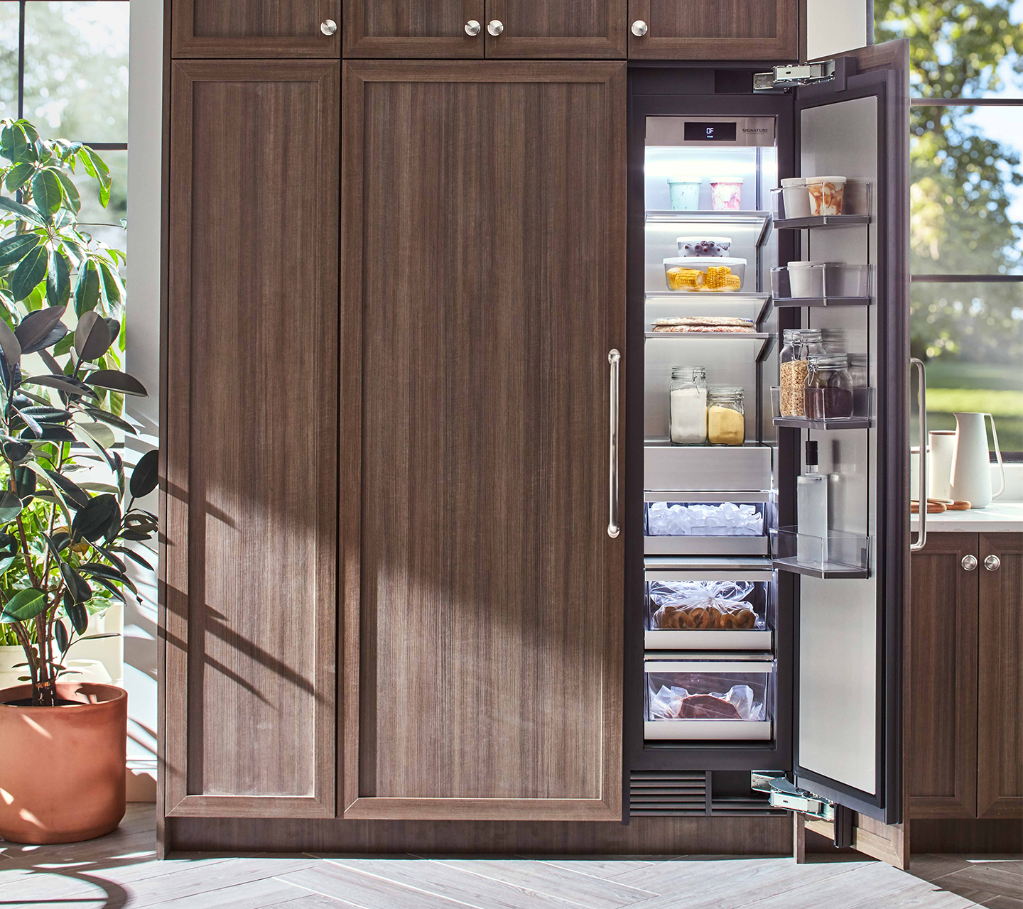 Kitchen Suite: Built-in Refrigerators, Panel Ready, Side By Side, French