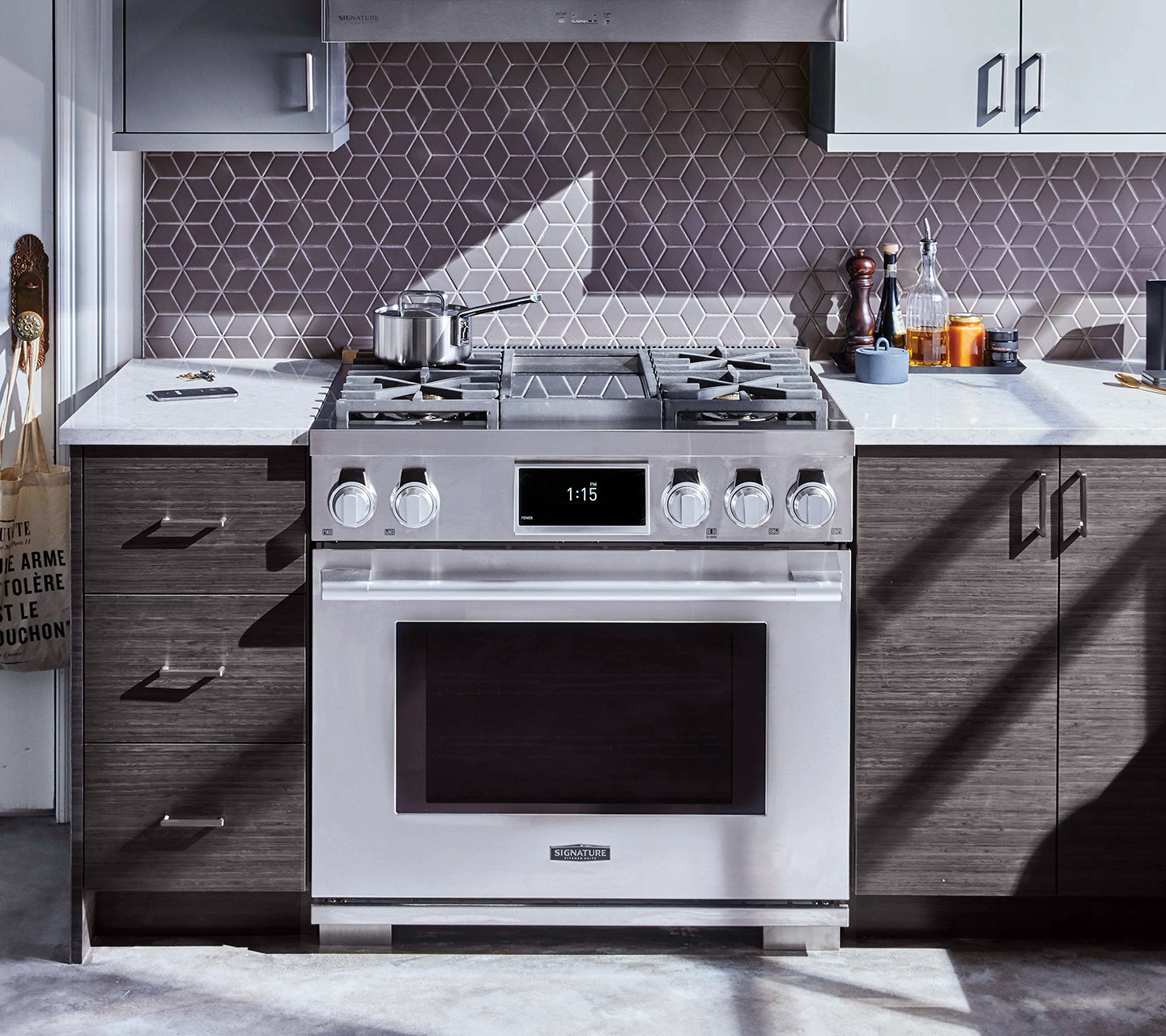 36-inch Dual-Fuel Pro Range | Signature Kitchen Suite