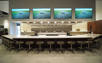 Signature Kitchen Suite | Experience and Design Center