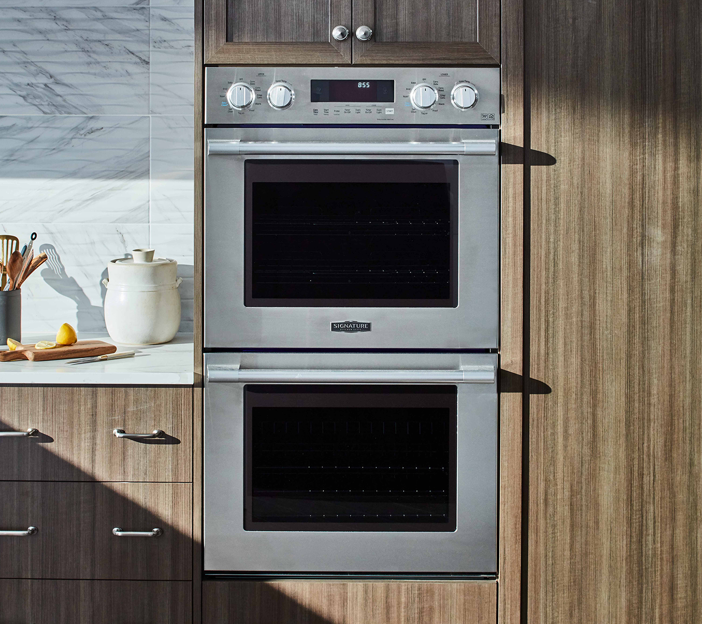 Signature Kitchen Suite 30-inch Double Wall Oven