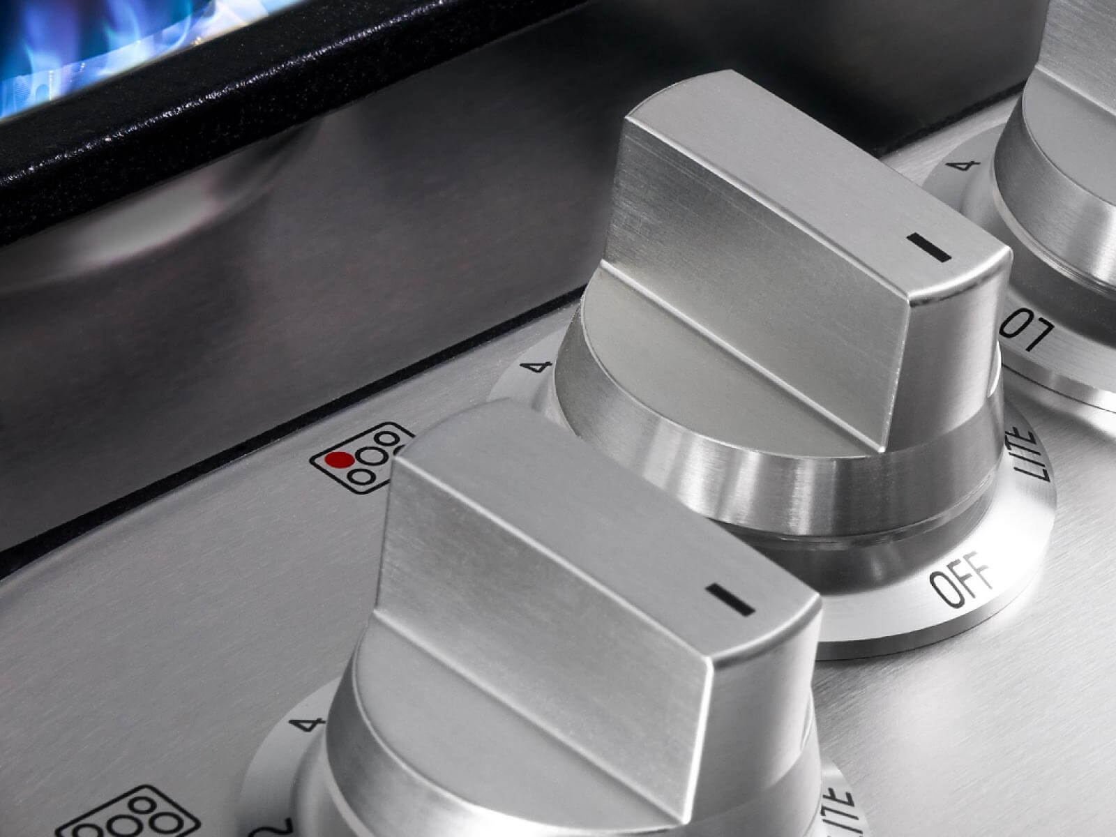 Cooktops from Signature Kitchen Suite