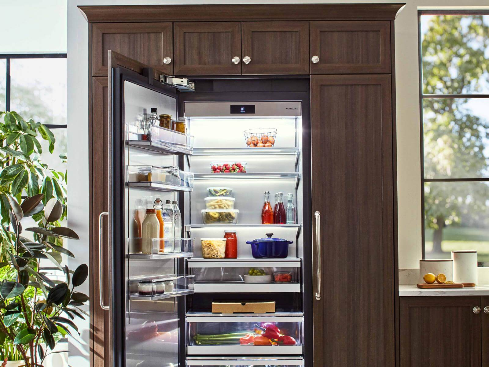 "30"" Integrated Column Refrigerator 