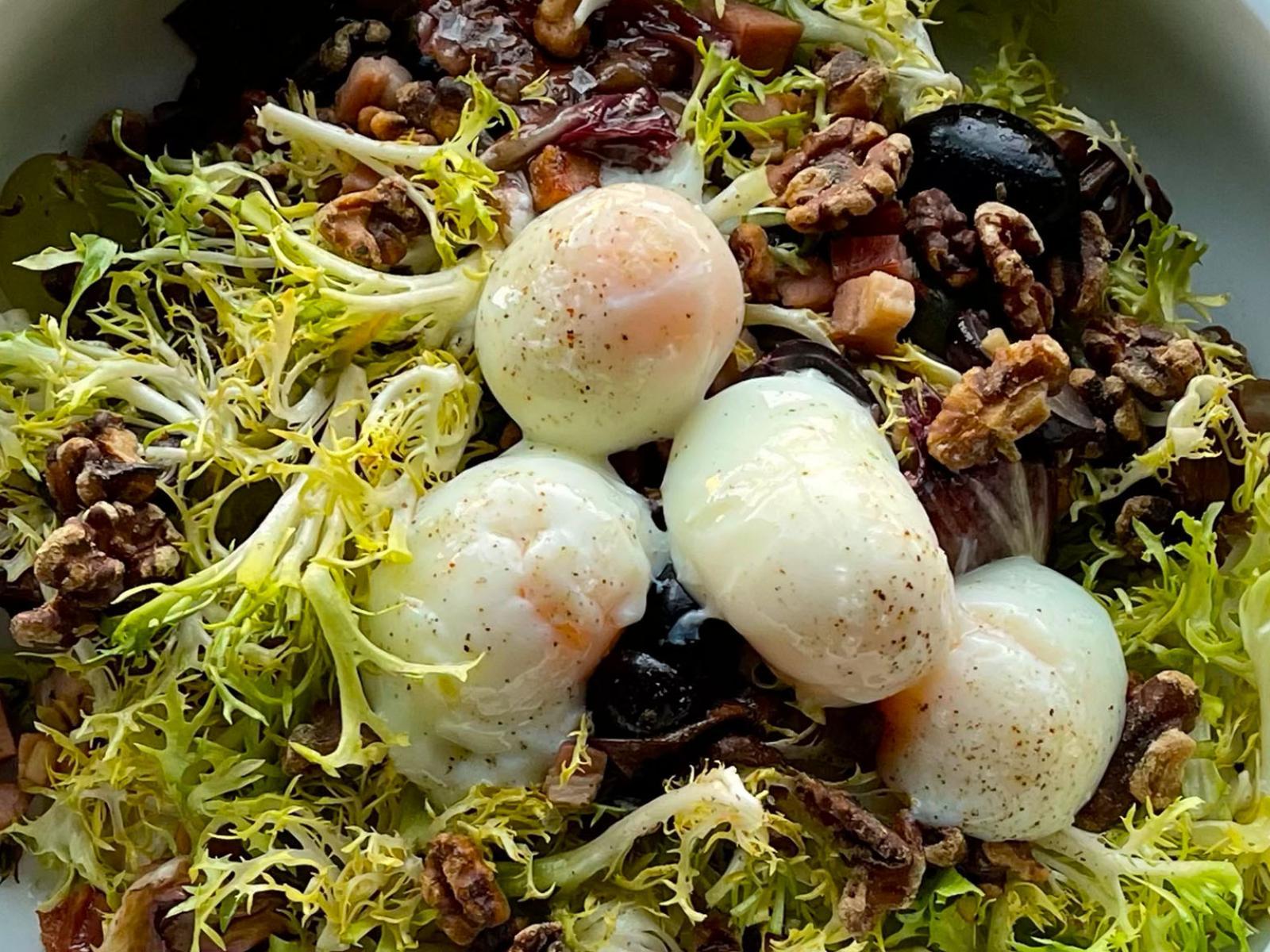 Sous Vide Poached Egg Salad | Signature Kitchen Suite