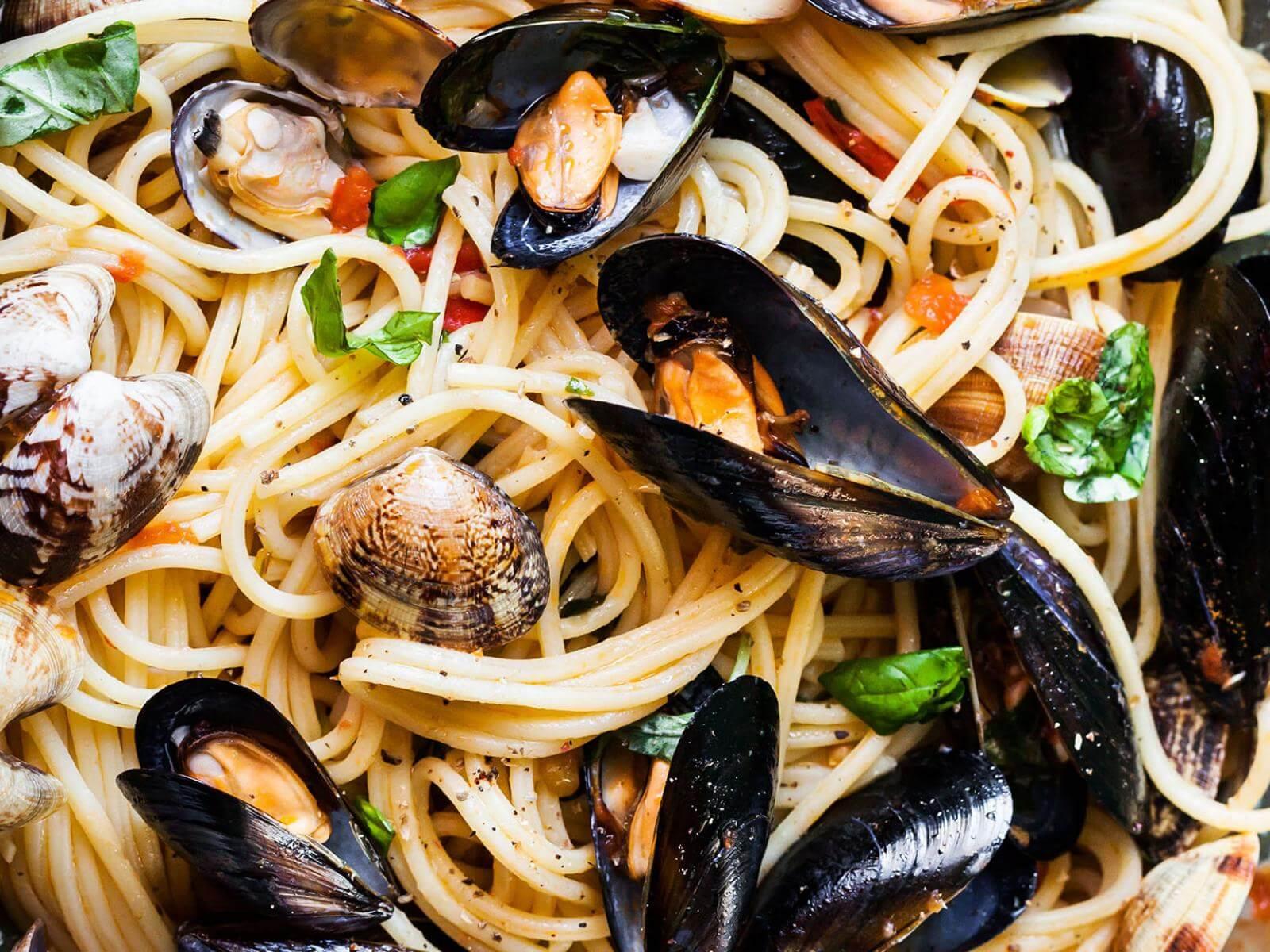 Calabrese Clam and Mussel Pasta | Signature Kitchen Suite